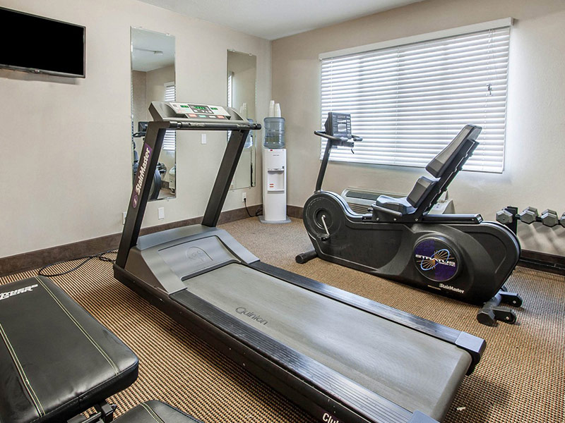 Fitness center at Comfort Inn & Suites Vancouver